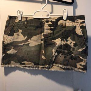 Roxy camo mini skirt